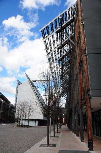 Le Albere BIPV external device hanging over the buildings' roof (Eurac Research)