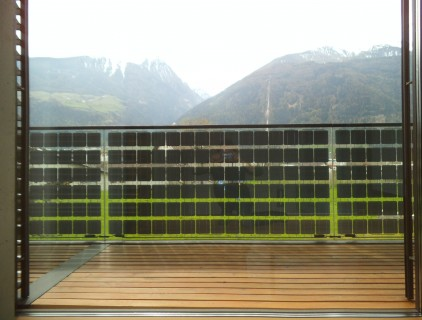 The semitransparent railing allows to enjoy the landscape from inside (building owner)