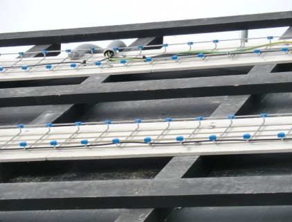 Wood modules substructure: the cables and the fire-resistant plasterboard are visible (Leitner Electro Srl)